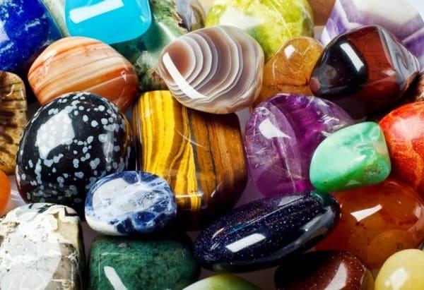 Камни-талисманы для людей разных профессий