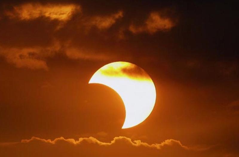 Февральское солнечное затмение