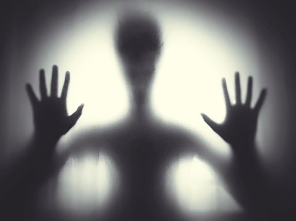 6 признаков того, что в вашем доме призрак