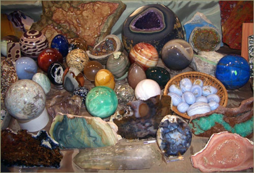 Камни от сглаза
