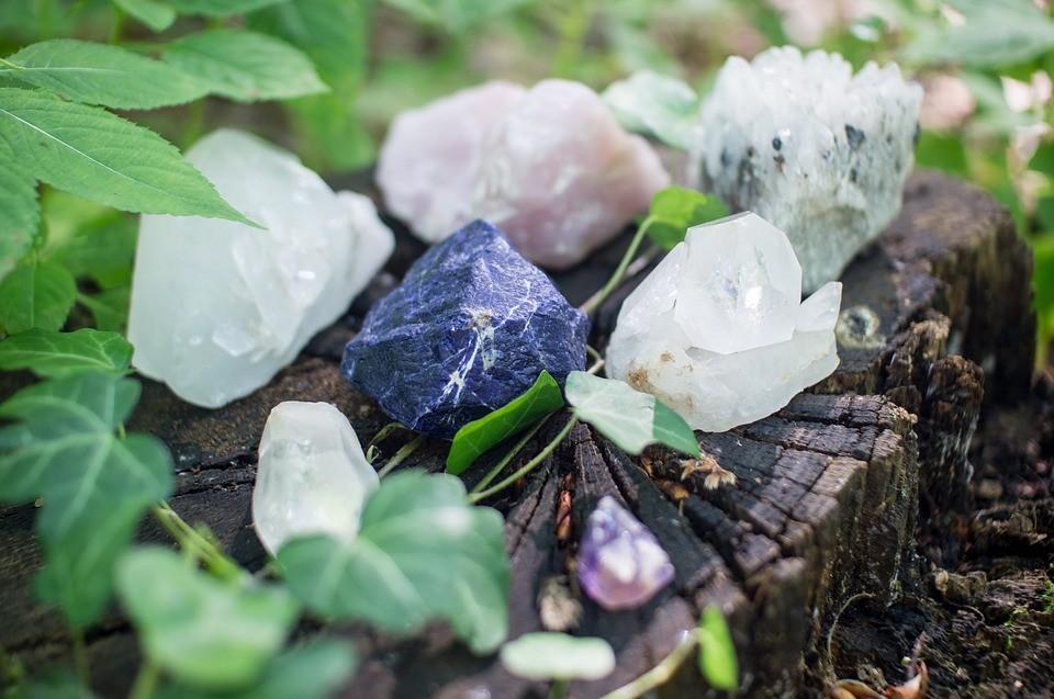10 кристаллов ведьм для восстановления и повышения вибраций